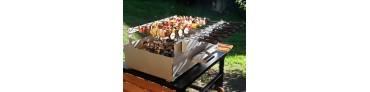 Barbecues et Grils au Charbon de Bois